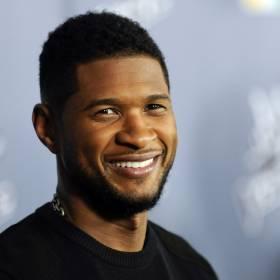 "Barack i Michelle Obama zaśpiewali ""Sto lat"" Usherowi!"