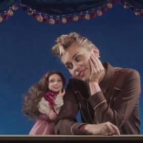 """Miley Cyrus teledyskiem """"Younger Now"""" nawiązuje do poprzednich swoich klipów!"""