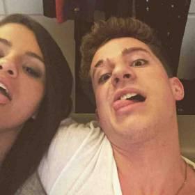 """Duet Seleny Gomez i Charliego Putha """"We Don't Talk Anymore"""" – już jest!"""