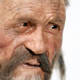 Przemówił! Posłuchaj głosu martwego od 5 tys. lat człowieka lodu!