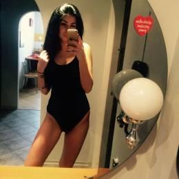 Karla, Zabrze w stroju kąpielowym