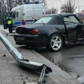 Przez rok szukał wymarzonego auta. Rozbił je podczas jazdy testowej…