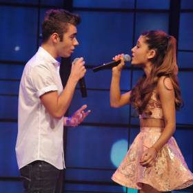 "Nathan Sykes i Ariana Grande w nowym utworze – ""Over And Over Again"""