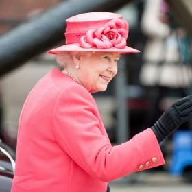Królowa Elżbieta II napisała uroczą wiadomość swojemu wnukowi Williamowi. Internauci są zachwyceni!