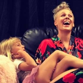 Pink z córką utknęła w windzie. Zamiast wezwać pomoc, wrzuciła zdjęcie na Instagram!