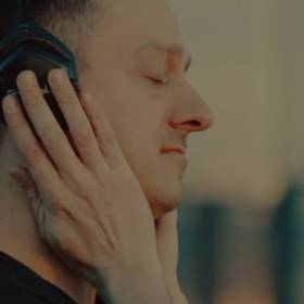 C-BooL – DJ Is Your Second Name. Zobacz teledysk!