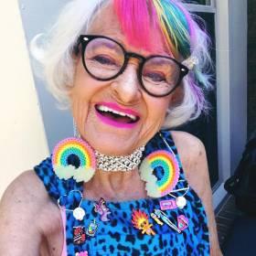Nigdy nie będziesz tak fajny jak ta babcia!