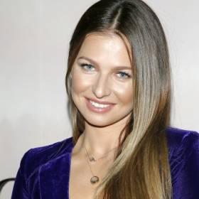 Anna Lewandowska pozuje w bikini. Fani oburzeni? O co poszło?