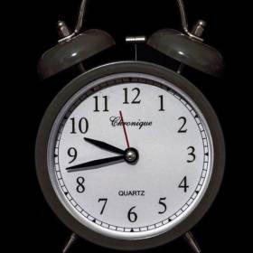 Nie przegap zmiany czasu! Wiesz kiedy przestawiamy zegarki?
