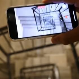 iPhone 13 vs. Nokia 3310. Który telefon przeżył upadek z 20. piętra? [WIDEO]