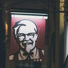 Znamy sekretny przepis na kurczaki z KFC!
