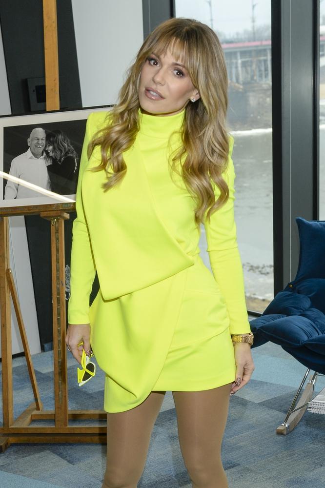 Doda i Julia Wieniawa w takich samych sukienkach. Która wyglądała lepiej?