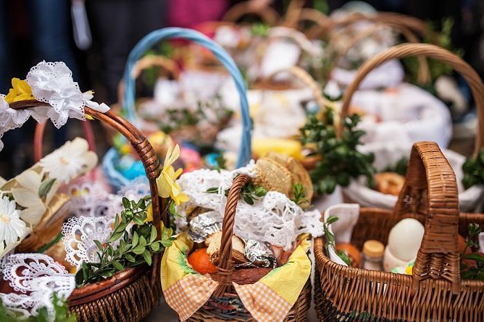 3208b4ce867eb Wielkanocny koszyczek i jego symbolika. Co powinno znaleźć się w święconce