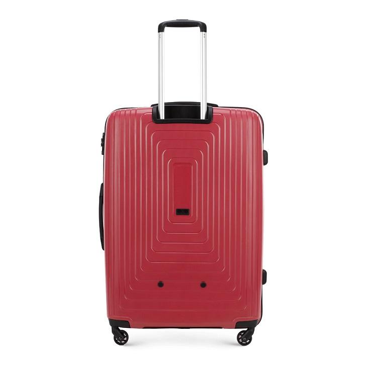Długie wakacje? O tym musisz pamiętać, wybierając dużą walizkę!