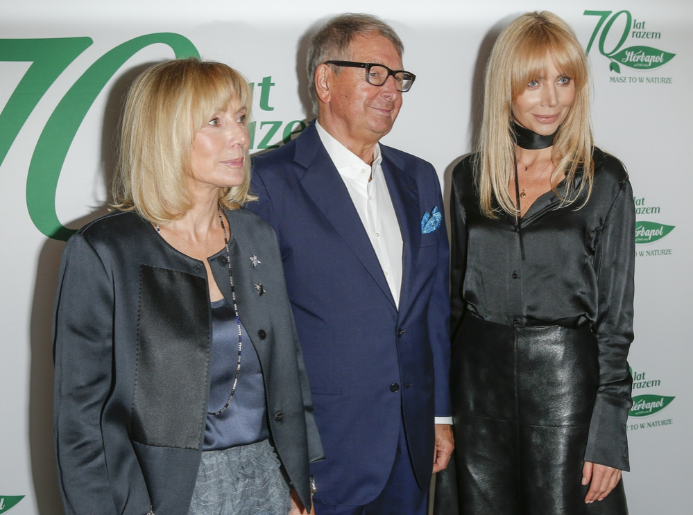 Agnieszka Woźniak-Starak wróciła na salony. Na gali Herbapolu pojawiła się z teściami