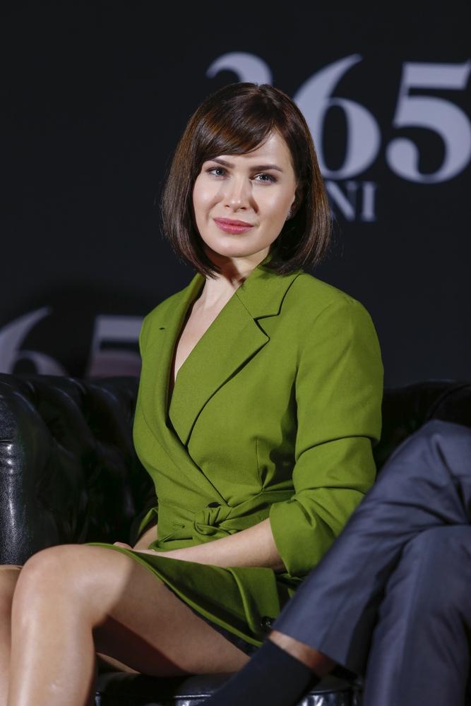 """Anna Maria Sieklucka. Kim jest tajemnicza aktorka z filmu """"365 dni""""?"""