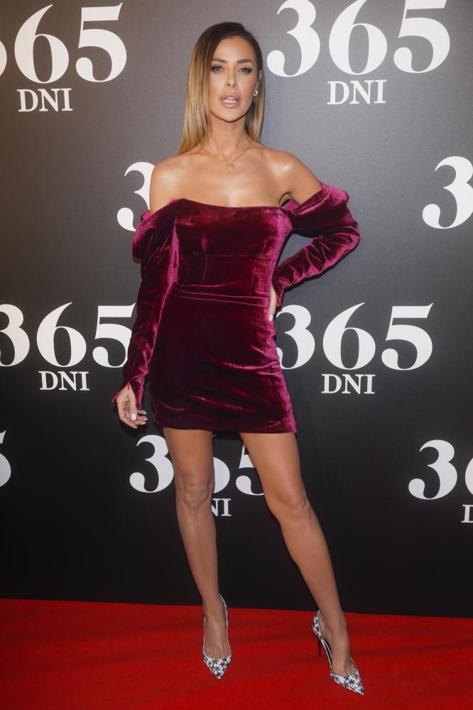 """Premiera """"365 dni"""". Lipińska i Sieklucka miały takie same sukienki?!"""