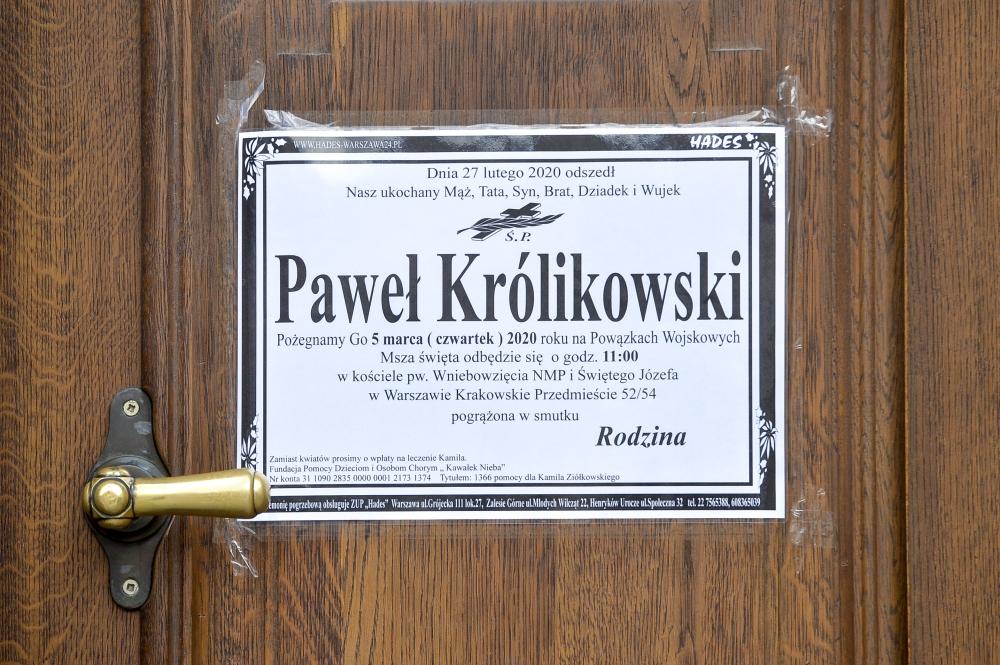Ostatnie pożegnanie Pawła Królikowskiego. Rodzina i gwiazdy na pogrzebie aktora