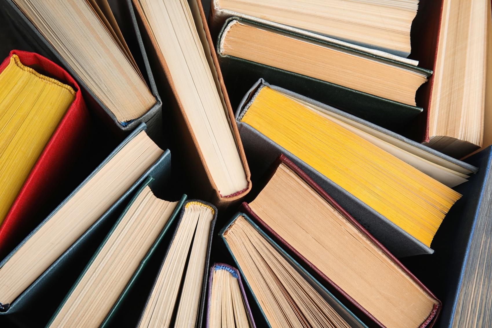 4 lektury szkolne — pamiętasz, o czym były?
