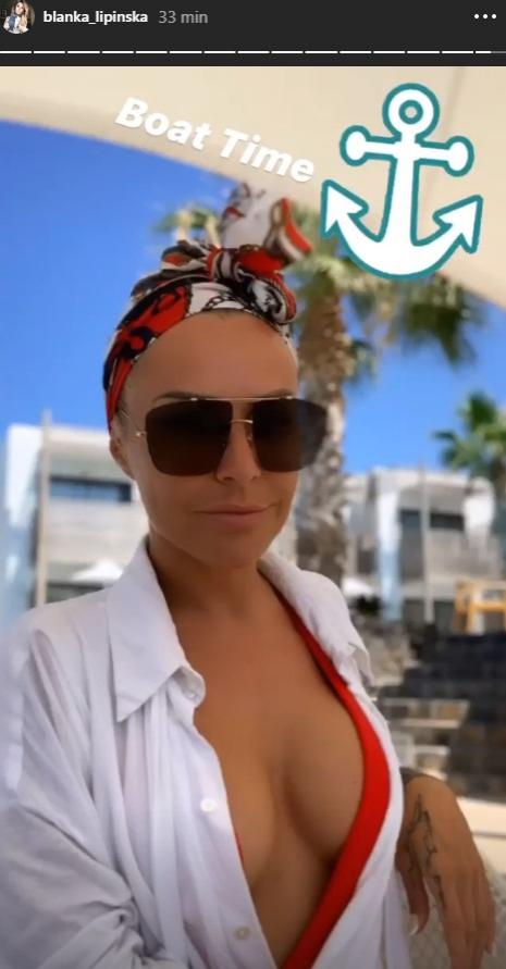"""Blanka Lipińska w bikini. Autorka """"365 dni"""" na gorących zdjęciach z urlopu z Baronem"""