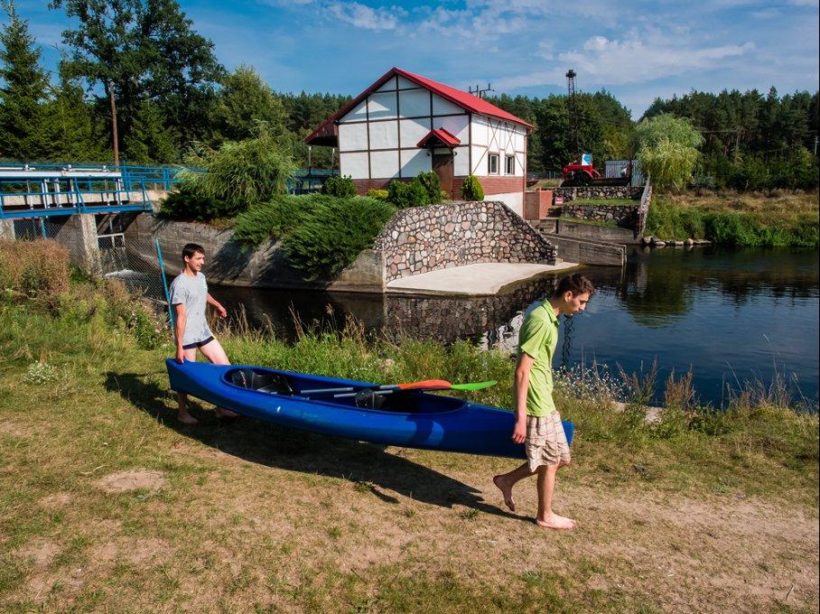 Daj się ponieść nurtowi przygody – ruszaj na kajaki do Pomorskiego!