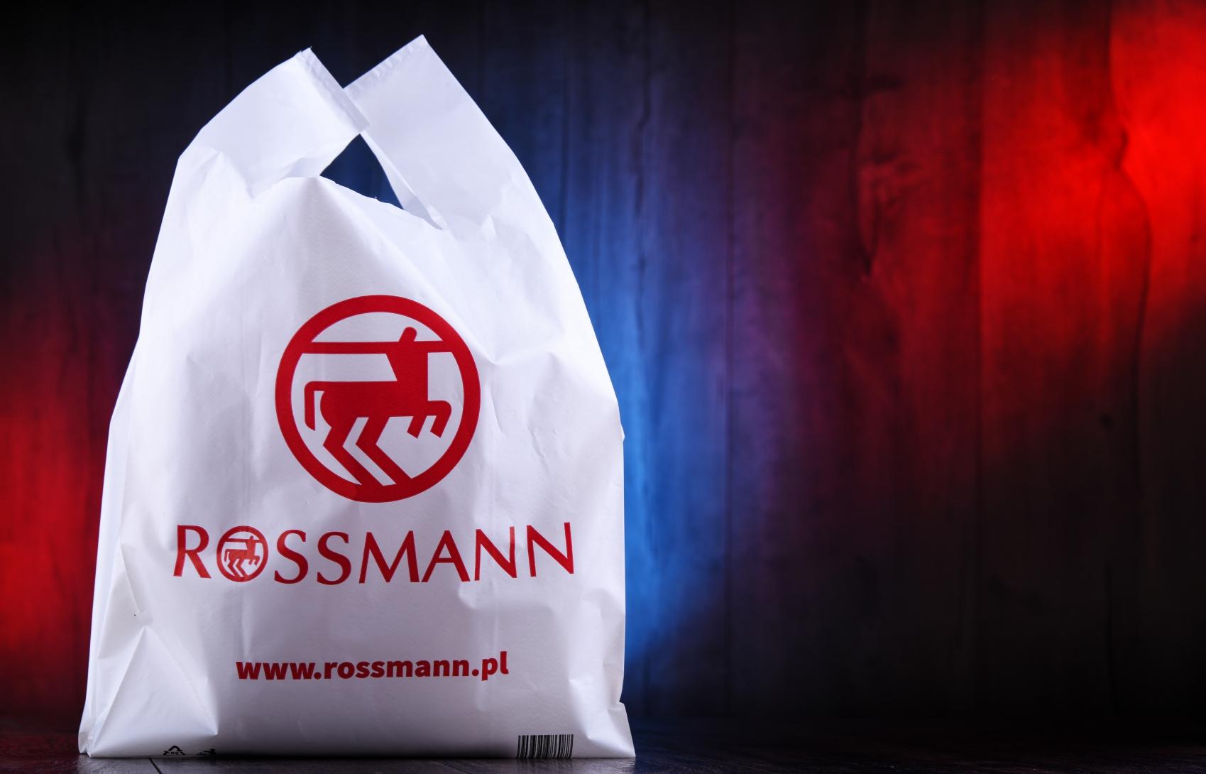 Produkty za grosz w Rossmannie. Oszałamiająca wyprzedaż w drogeriach
