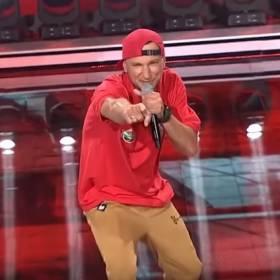 """Bartłomiej Boruc, czyli raper z """"Big Brothera"""" - kim jest? Instagram, festiwal w Opolu, utwory"""