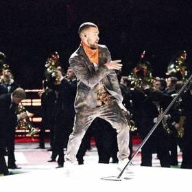 """Justin Timberlake na Super Bowl Halftime Show 2018: """"niewarta zapamiętania, ale krzykliwa mieszanka przebojów"""""""