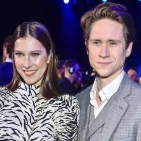 """Gwiazdy serialu: """"Zakochani po uszy"""" spodziewają się dziecka! Kamila Kamińska jest w zaawansowanej ciąży. Pokazała zdjęcie!"""