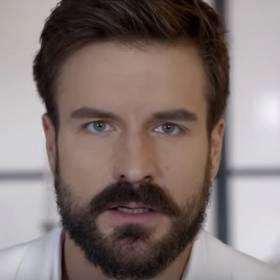 SNL Polska: Piotr Stramowski wystąpił nago. Do tego śpiewał o masturbacji!