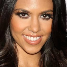 Kourtney Kardashian w bieliźnie od Dolce & Gabbana. Co za ciało! Gorące kadry skomentował nowy chłopak celebrytki! [FOTO]
