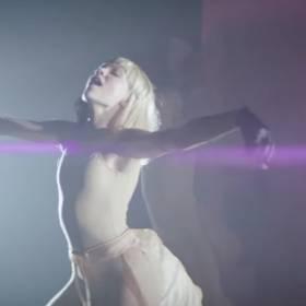 """Zjawiskowa Maddie Ziegler w nowym klipie do """"Cheap Thrills"""" Sii"""