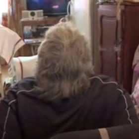 Mężczyzna ważący 250 kg utknął w mieszkaniu. Do ewakuacji użyto dźwigu [WIDEO]