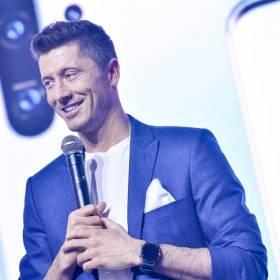 Robert Lewandowski wykonał światowy hit! Jak piłkarz poradził sobie w roli wokalisty?