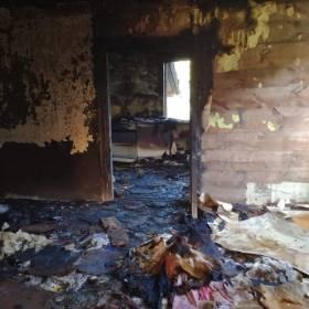 Pan Kazimierz stracił syna i cały dom w pożarze. Pomóżmy odbudować jego dobytek!
