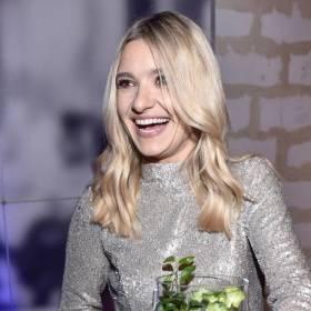 """Joanna Koroniewska pokazała piersi. Nazwano ją """"deską"""". Odpisała hejterom"""