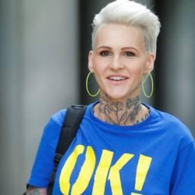 """Agnieszka Chylińska na zdjęciu sprzed lat. Fani komentują: """"To tak wyglądałaś bez tatuaży""""!"""