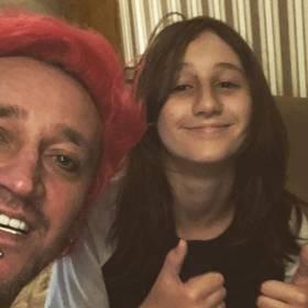 13-letnia córka Michała Wiśniewskiego w nowym kolorze włosów i mocnym makijażu! Jak wygląda Etiennette?