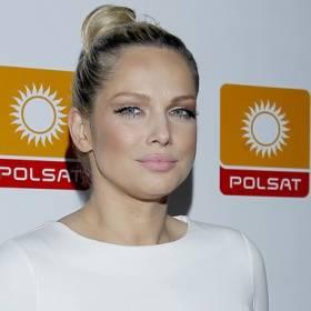 Joanna Liszowska kusi głębokim dekoltem! Na zdjęciu pojawiły się też inne znane aktorki