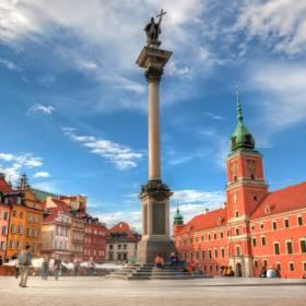 """Na protest antyszczepionkowców przyjdą też """"koronasceptycy"""". W sobotę przemaszerują ulicami Warszawy"""