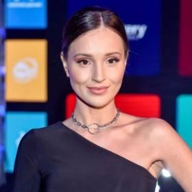 Marina Łuczenko-Szczęsna jako blondynka?! W najnowszym klipie #NEWS prezentuje się zjawiskowo!
