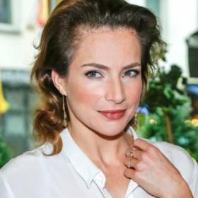 Anna Dereszowska na odważnym zdjęciu. Aktorka pozuje w samym ręczniku