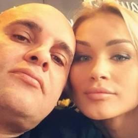 """Dominik z """"Gogglebox"""" pokazał gorące zdjęcie z ukochaną. Żona mężczyzny zachwyciła internautów: """"Petarda"""""""