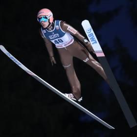 Trwa konkurs drużynowy skoków narciarskich. Zawodnicy walczą o Puchar Świata w Zakopanem