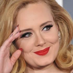 Pierwsze zdjęcie Adele po imprezie z Kingą Rusin. Co za figura! Podkreśliła kształty obcisłym strojem