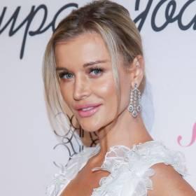 """Joanna Krupa zachwyca figurą w skąpym stroju kąpielowym. """"Wow, ale ciało!"""""""
