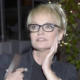 """Aktorka z """"Barw szczęścia"""" topless. Adrianna Biedrzyńska ma 58 lat i zachwyca wyglądem!"""