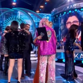"""""""Big Brother 2"""". Panika na scenie. Filip Chajzer rzucił się uczestniczce na ratunek"""
