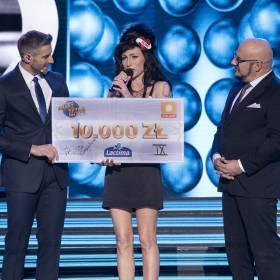 """""""Twoja twarz brzmi znajomo"""". Niesamowita Amy Winehouse. Kasia Dąbrowska wygrała dziewiąty odcinek"""