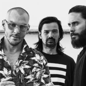 """Jared Leto razem z Thirty Seconds To Mars wypuścił nowy singiel. Posłuchaj """"Walk On Water""""!"""